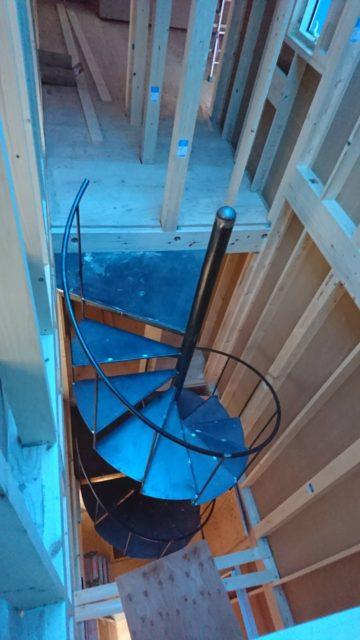 室内螺旋階段 製作&取り付け工事
